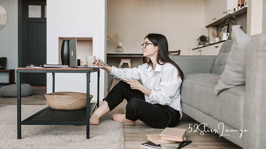6 Tricks to Master Your Work from Home - 52stirs.com