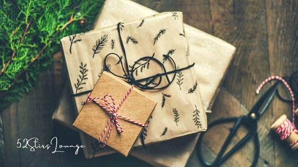 8 Novel Christmas Gifts - 52Stirs.com