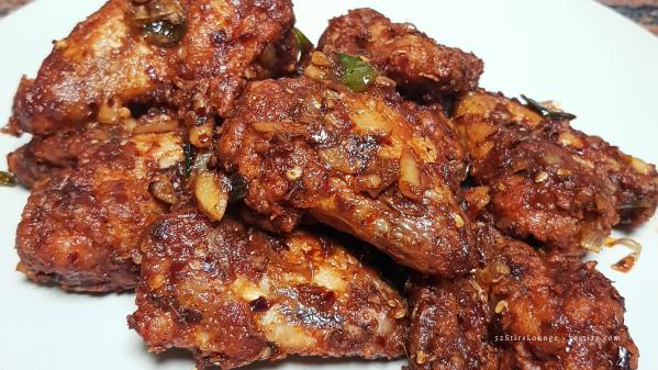 Spicy Garlicky Buffalo Wings - 52StirsLounge