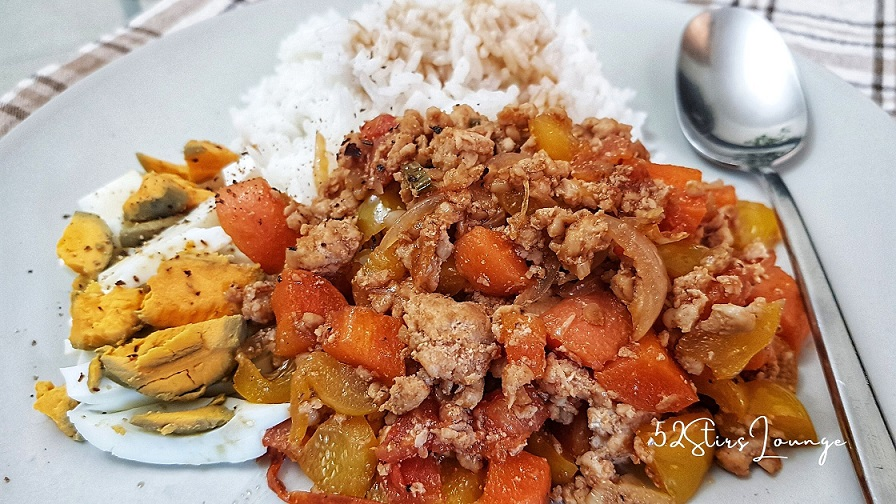 Easy Minced Chicken with Veggies Recipe - 52stirs.com